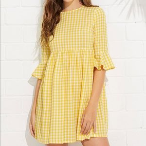 Dresses & Skirts - Bow tie open back yellow gingham summer dress NWOT